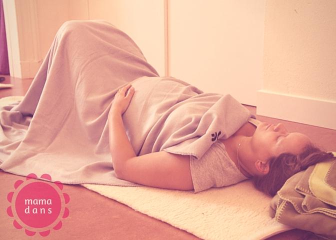 Relax vrouw zwanger mamadans 2016